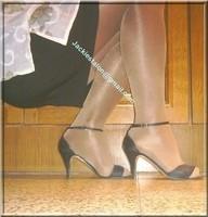 sandale noir avec chemise tranparente et string 15