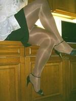 sandalette noir minijupe noir et collant marron brillant 2