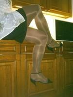 sandalette noir minijupe noir et collant marron brillant 1