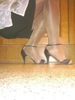 sandalette noir minijupe noir et collant marron brillant 5