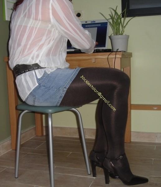 minijupe jeans collants marron fonce