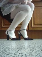 chaussures next violet mauves laque 10 cm collant blanc minijupe marron  2 [800x600]