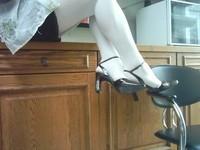 chaussures next violet mauves laque 10 cm collant blanc minijupe marron  3 [800x600]