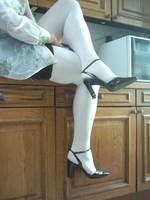 chaussures next violet mauves laque 10 cm collant blanc minijupe marron [800x600]