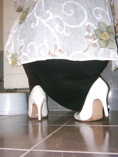 Escarpins blanches 11cm avec petit noeud30