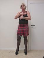 Jupe carreau rouge et noir Astrid et body string noir 3