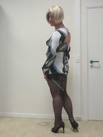 jupe noir avec blouse decoleter dos 6