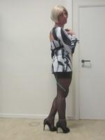 jupe noir avec blouse decoleter dos 7