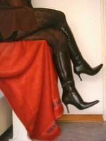 Bottes en dessous du genou a tallon aiguille avec jupe noircollant dessin 8