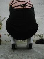 Botte blanche avec lacets derriere et robe noir14