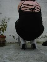 Botte blanche avec lacets derriere et robe noir15