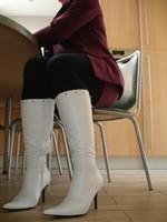Bottes blanches a talon tailleur mauve 5