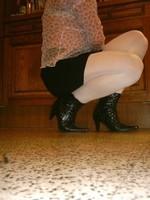 bottillon dessin noir  collants blanc minijupe noir