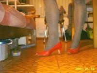chaussure rouge avec collant a dessin