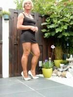 Robe noir decoleter rond dos Yasmine London 16