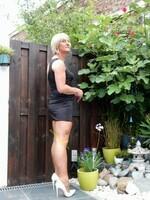 Robe noir decoleter rond dos Yasmine London 22