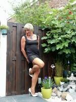 Robe noir decoleter rond dos Yasmine London 23