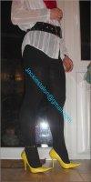 minijupe noir guepiere rouge 2
