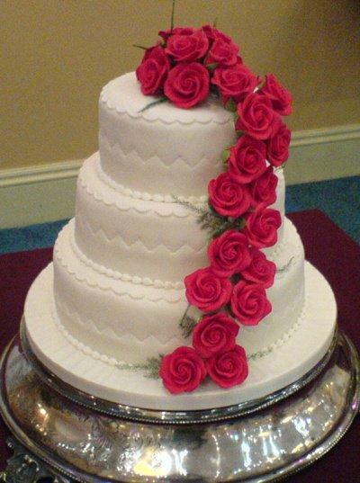wedding cake rose cascade red