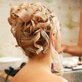05 coiffure mariage mariee cheveux boucles