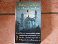 Robert Ludlum - Les veilleurs de l'Apocalypse : 1.50 eur.
