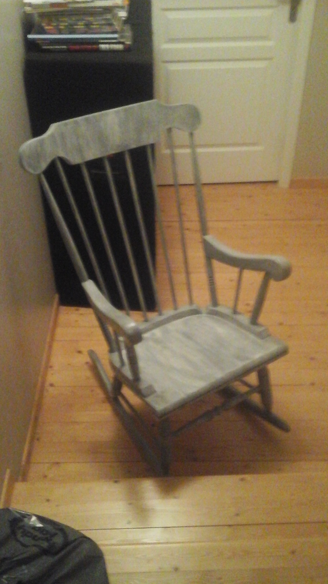 Rocking chair b b fille nistere photos club for Rocking chair chambre bebe