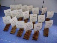 marque-place-original-pour-un-mariage-theme-mer-iles-plage-coquillage-baton-de-cannelle