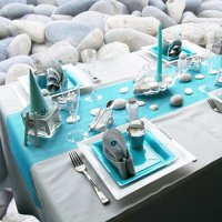 turquoise-colors-table-setting-beach-stones-theme