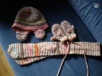 ensemble bonnet echarpe moufles CATIMINI T1VENDU