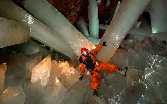 06%20Carsten%20Peter,%20Speleoresearch%20and%20films