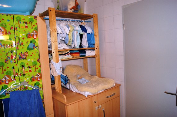 Le coin de b b dans la chambre de papa maman les for Coin bebe dans chambre des parents
