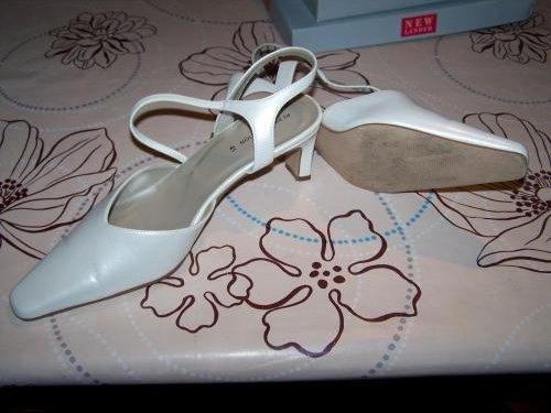 Chaussures à talon crème pointure 41 porter 2heures 7€