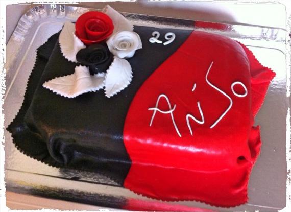 15 d co rouge noir avec des roses mes g teaux crean for Decoration 18 ans garcon