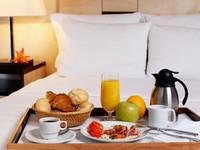 petit-dejeuner-room-service