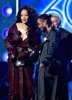 Rihanna60