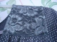 Robe gris pois + dentelle, manches courtes col V T 4 = 44 46 TBE RIU 4