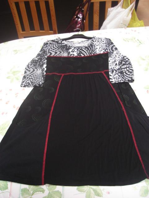 Robe tunique manches 34 noire grise rouge T 5 = 46 48 J Riu TBE 2