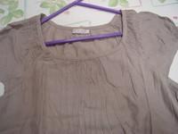 Lot 2 tee-shirts manches courtes unis Riu T 4 = 44 46 beige et grège TBE 11