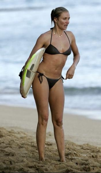 85129_Cameron_Diaz_surf_session_in_Hawii0007_122_317lo