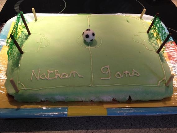Le gâteau demandé par Nathan et réalisé par papa et maman