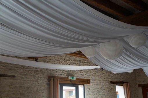 vign_decoration_plafond_salle_mariage_par_festidomi_ws1008910677 - Voile Hivernage Mariage