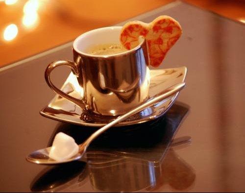 presentation tasse cafe cuiller