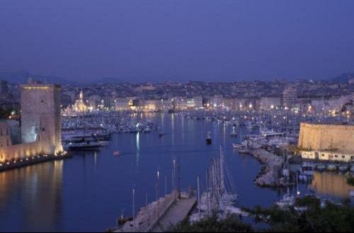 Entree_du_vieux_port_de_Marseille
