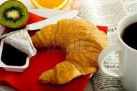 café croissant confiture