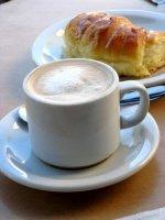 cafe-croissant-petit-dejeuner