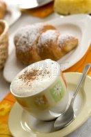 cappuccino croissant
