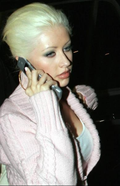 christina au telephone