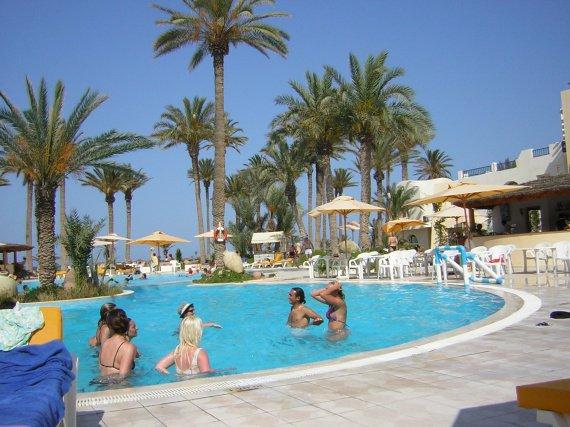 La piscine vacances en tunisie mounette1 photos for Piscine demontable tunisie