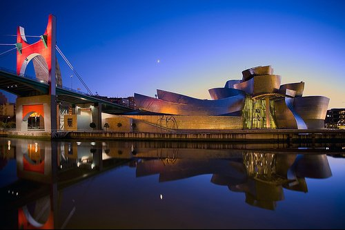 http://b.imdoc.fr/private/1/private-category/photo/6764348676/4642248611/private-category-guggenheim-bilbao-nuit-img.jpg
