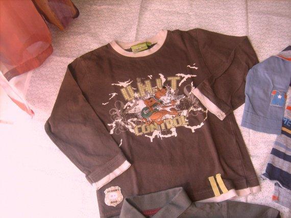 tee-shirt ML scoobidou ,tb.etat ,6 ans , 1 € 50.